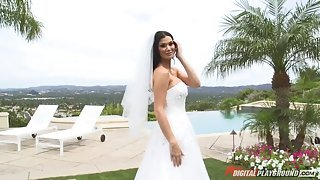 Lovely black-haired bride gets annihilated before the wedding