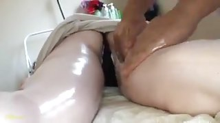Girls gets horny in massage
