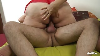 Two fat mature ladies decide to fuck a lucky guy