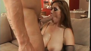Face riding Asian chick gets her ass eaten